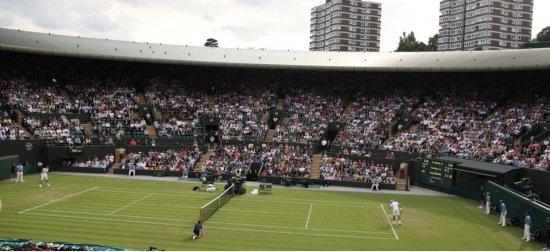 Cum arată o zi la Wimbledon, așa cum a fost trăită de un fan | Povești, detalii și... căpșuni