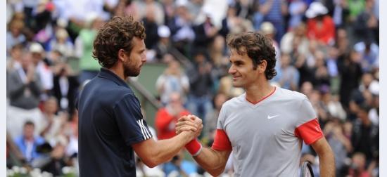 Ernests Gulbis îl elimină pe Roger Federer în optimi la Paris, primul său sfert de Slam în șase ani