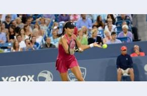 Ana câștigă un meci nebun cu Sharapova; Federer revine în finală la Cincy