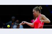 Simona Halep se oprește la Stuttgart, învinsă într-un meci-maraton de Caroline Wozniacki