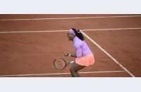 Surpriza care n-a mai fost: Serena rezistă iar cu Azarenka, trece în săptămâna a doua