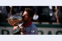 Stan ireal: Wawrinka joacă entuziasmant, îl învinge pe Djokovic în finala Roland Garros; visul lui Nole mai așteaptă
