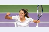 Monica Niculescu revine după pierderea primului set, o învinge pe Monica Puig