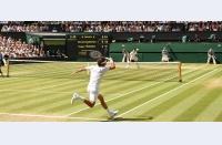 Cu o mână pe trofeu și un ochi pe adversar, Novak și Roger lansează ultimul asalt. Se trage cortina la Wimbledon. Și ce încheiere!