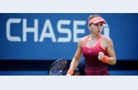 Simona Halep continuă cursa la US Open, trece confortabil de Bondarenko