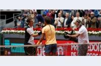Murray depășește un Nadal neconvingător, Djokovic rezistă asaltului final al lui Nishikori