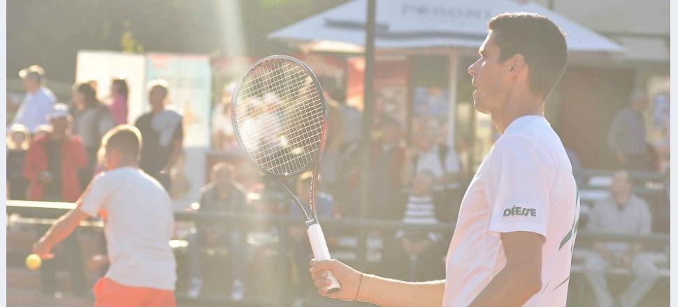Jumătatea mai bună a tenisului: cum se vede cariera unui jucător profesionist prin ochii celui de aproape
