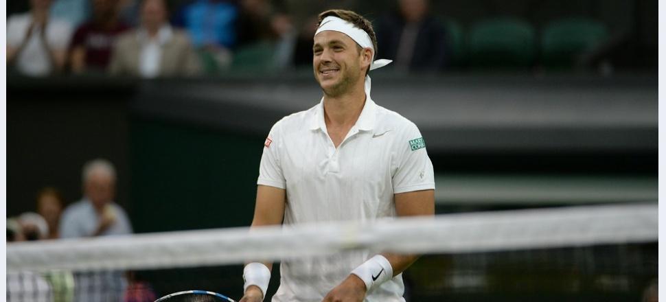 Federer pune capăt poveștii lui Marcus Willis la Wimbledon, într-un meci creat parcă pentru Internet