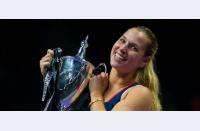 Final cu artificii la WTA Finals: Dominika Cibulkova câștigă titlul în fața lui Angie Kerber!