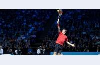 Grupa McEnroe se separă și ea, dar lipsa de spectacol de pe teren e suplinită prin cel de pe marginea lui