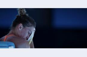 """Simona, după eliminarea din primul tur: """"S-ar putea să nu joc o perioadă. Nu e grav, nu e vorba de operație. Dar mă împiedică să dau totul"""""""