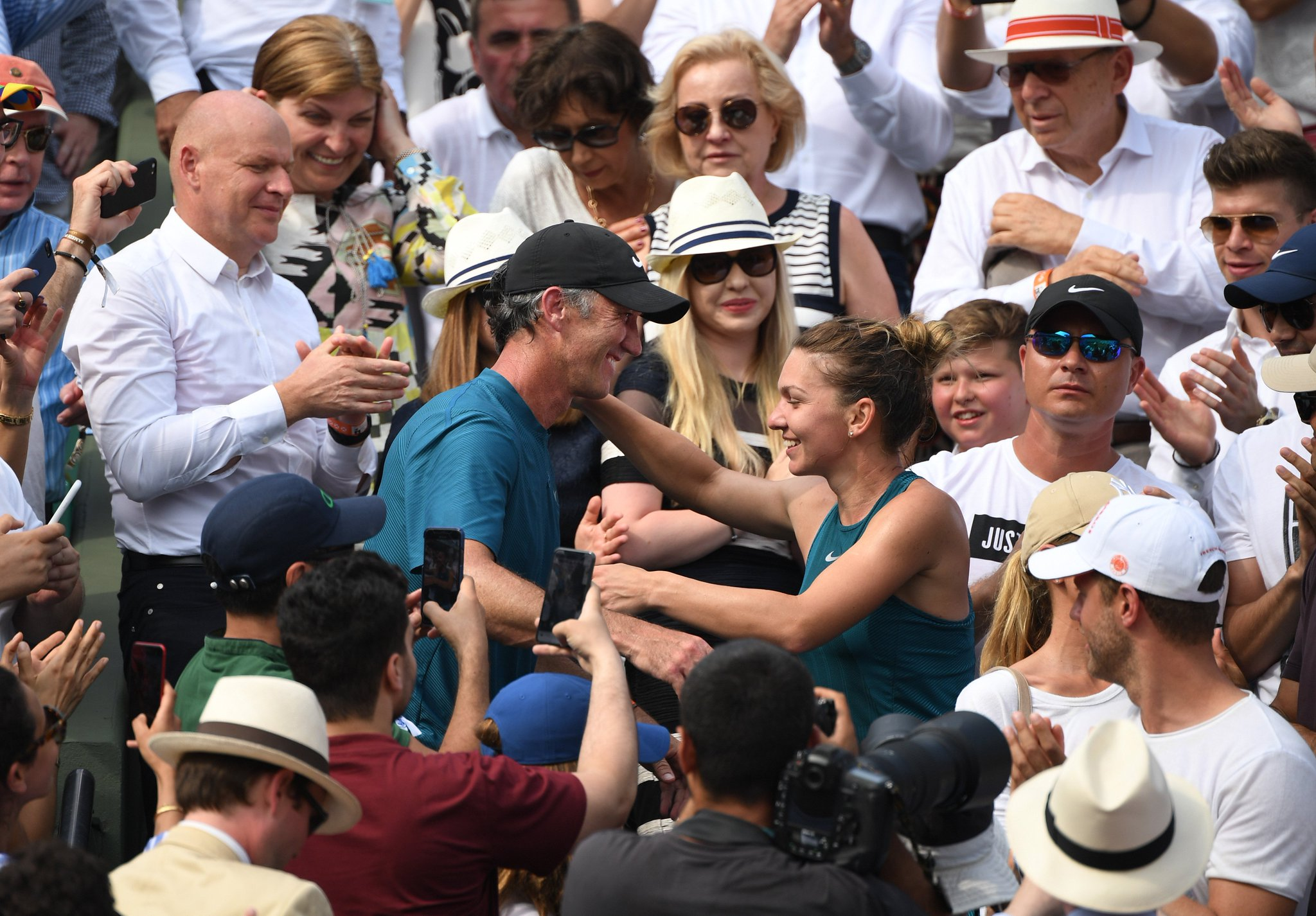 """Darren Cahill: """"Simona put herself out there, for good and"""
